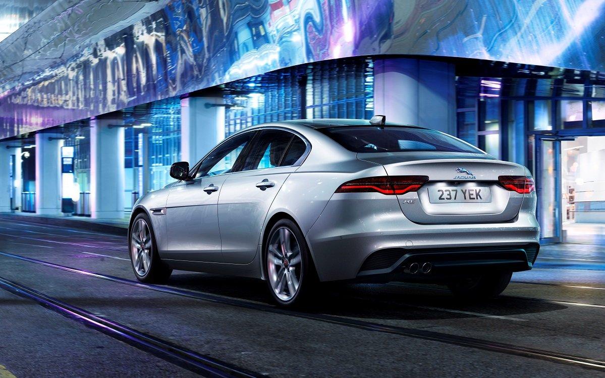 Jaguar XE 2021: así le van a plantar cara al BMW Serie 3 - HackerCar