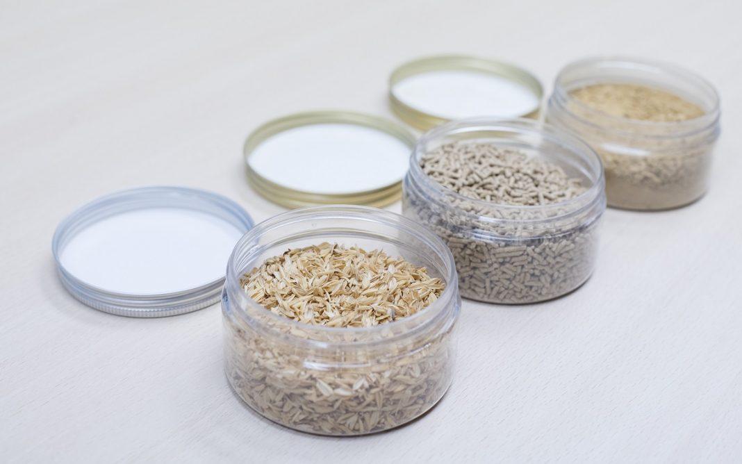 Imagen de tarros con cáscara de arroz