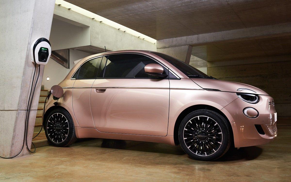 imagen exterior del nuevo Fiat 500 3+1
