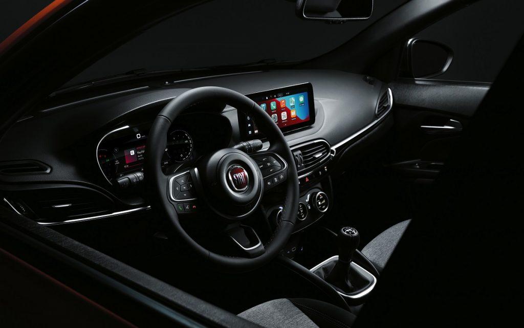 Imagen interior del Fiat Tipo 2021