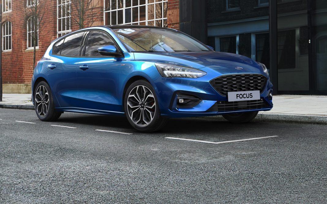 imagen tres cuartos delantero del Ford Focus