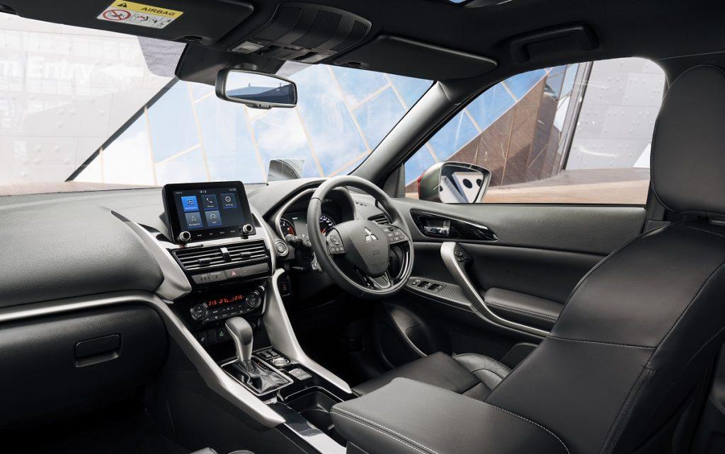 Imagen interior del nuevo Mitsubishi Eclipse Cross híbrido enchufable