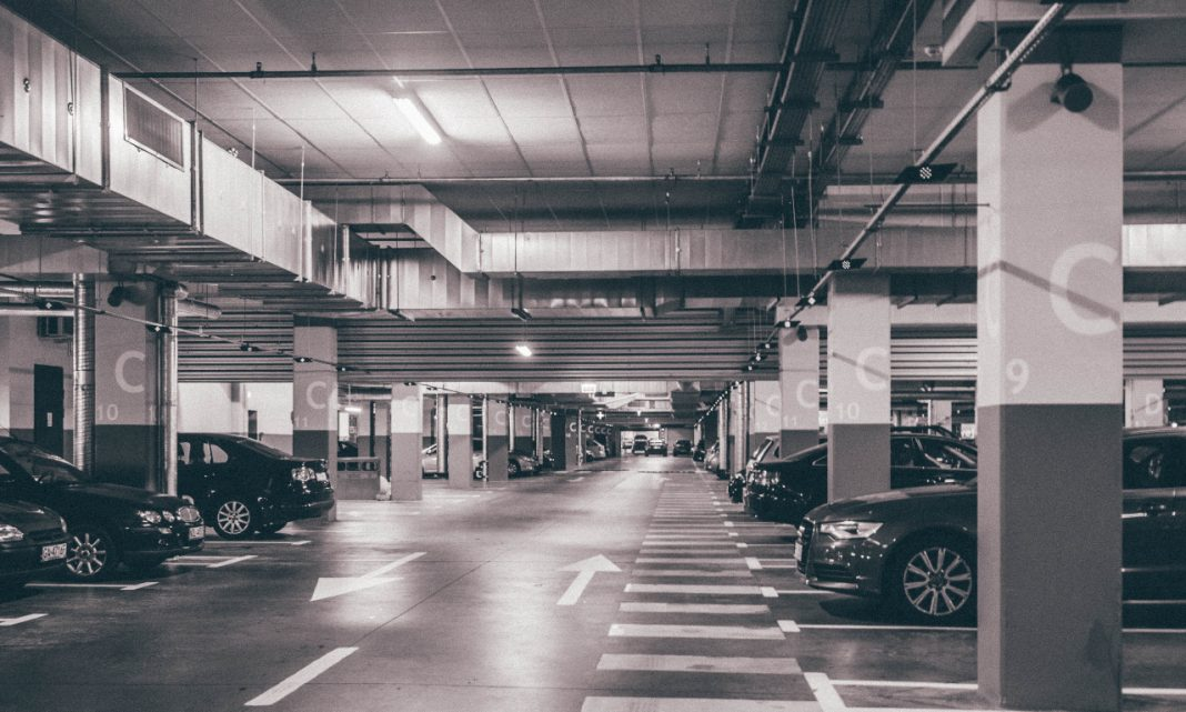 Imagen de un parking de coches