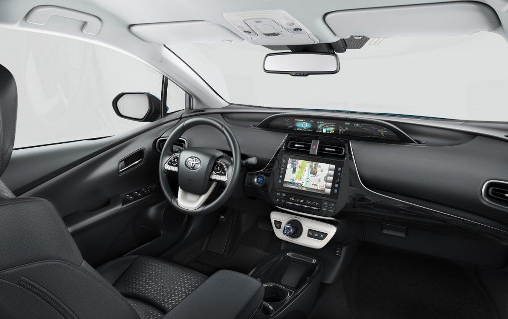Imagen interior del nuevo Toyota Prius híbrido enchufable