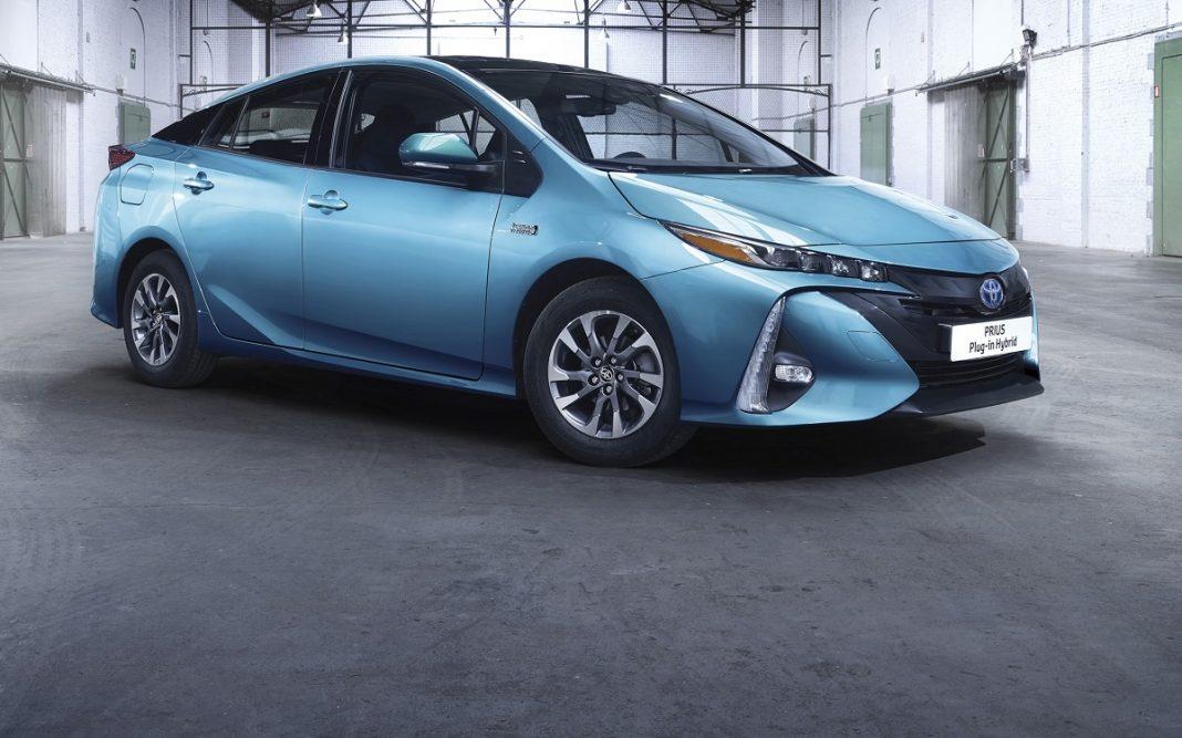 Imagen del nuevo Toyota Prius híbrido enchufable