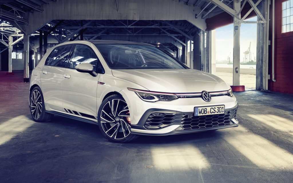 Imagen tres cuartos delantero del VW Golf GTI Clubsport