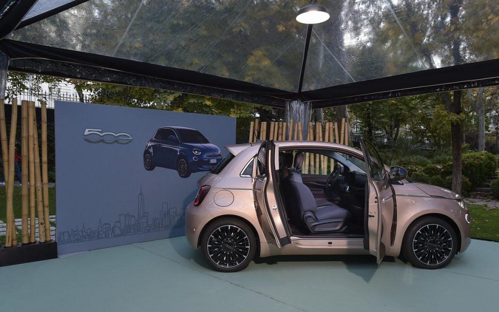 Imagen lateral del Fiat 500 Trepiuno
