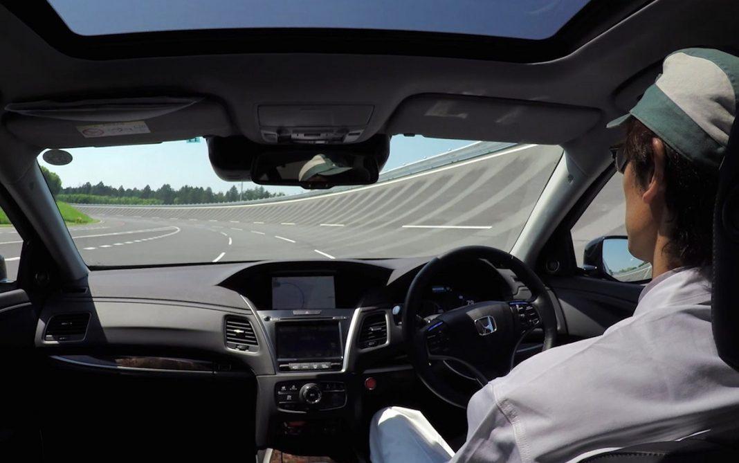 Ejemplo de conducción autónoma en un Honda