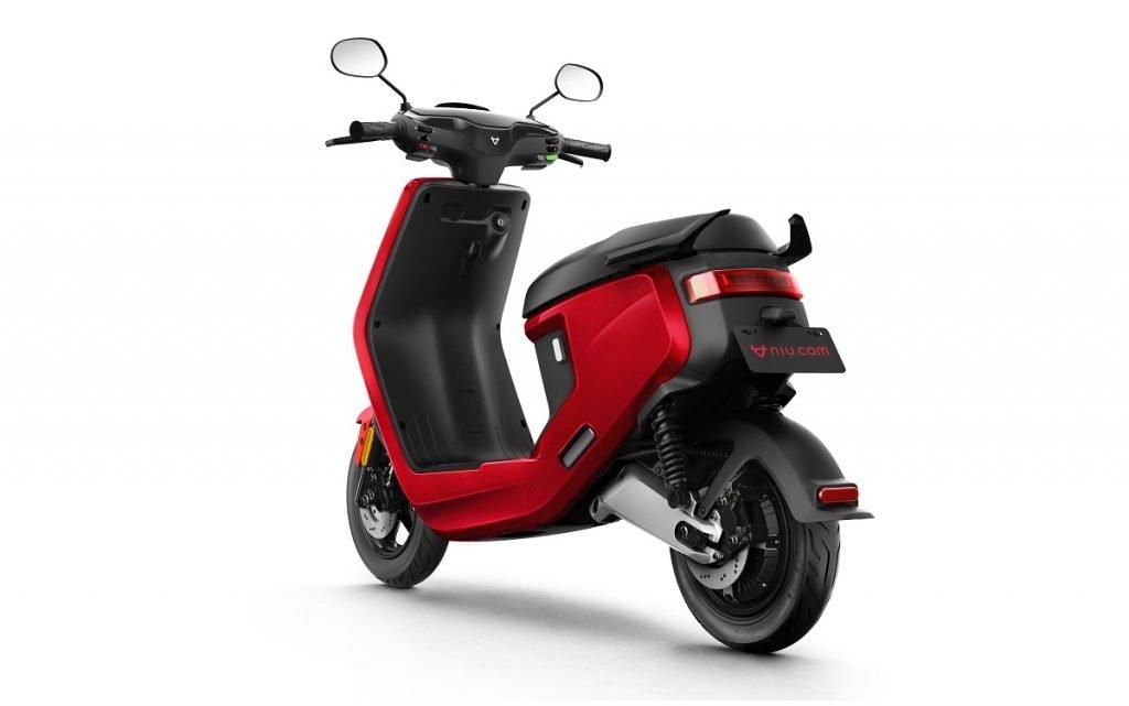 Imagen trasera del nuevo scooter eléctrico de NIU