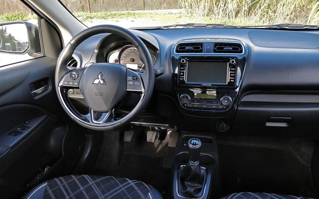 Interior del Mitsubishi Space Star