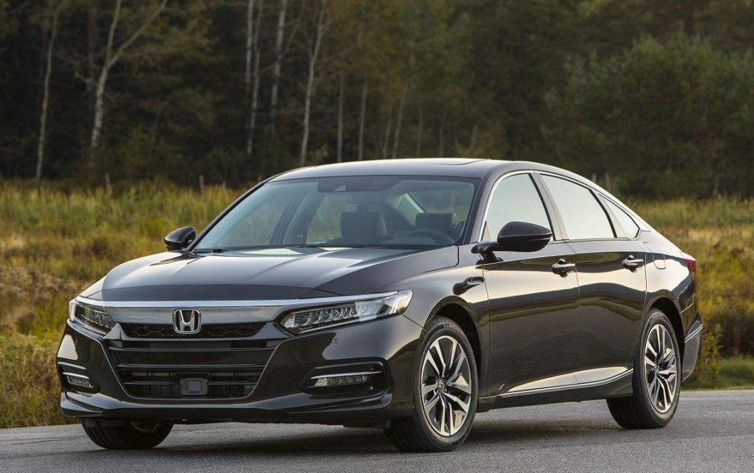 Honda Accord Hybrid tres cuartos frontal