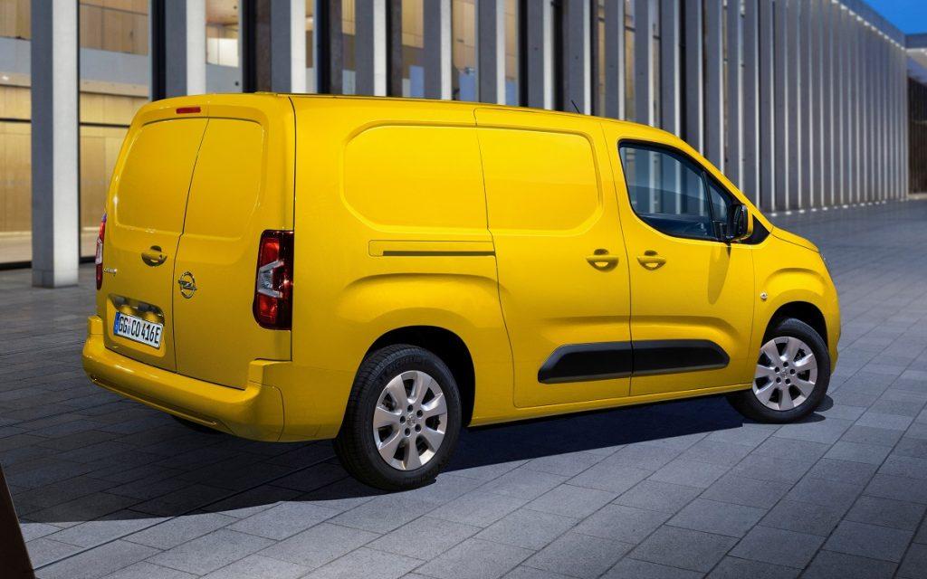 Imagen tres cuartos trasero Opel Combo-e Cargo