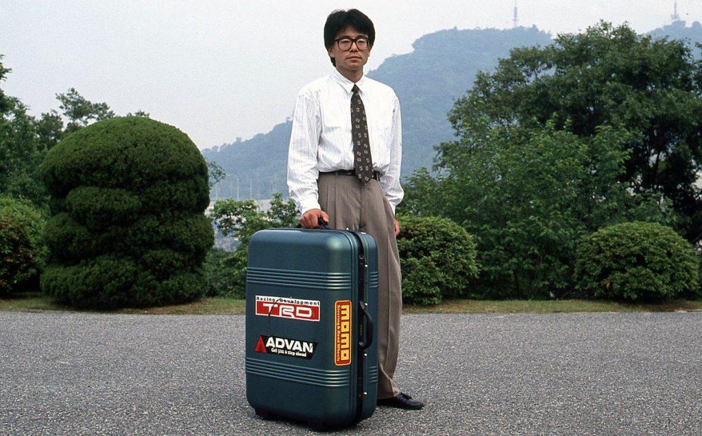 Imagen de uno de los creadores del coche maleta
