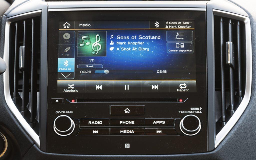 Reproducción de audio en el sistema del Subaru Forester Hybrid