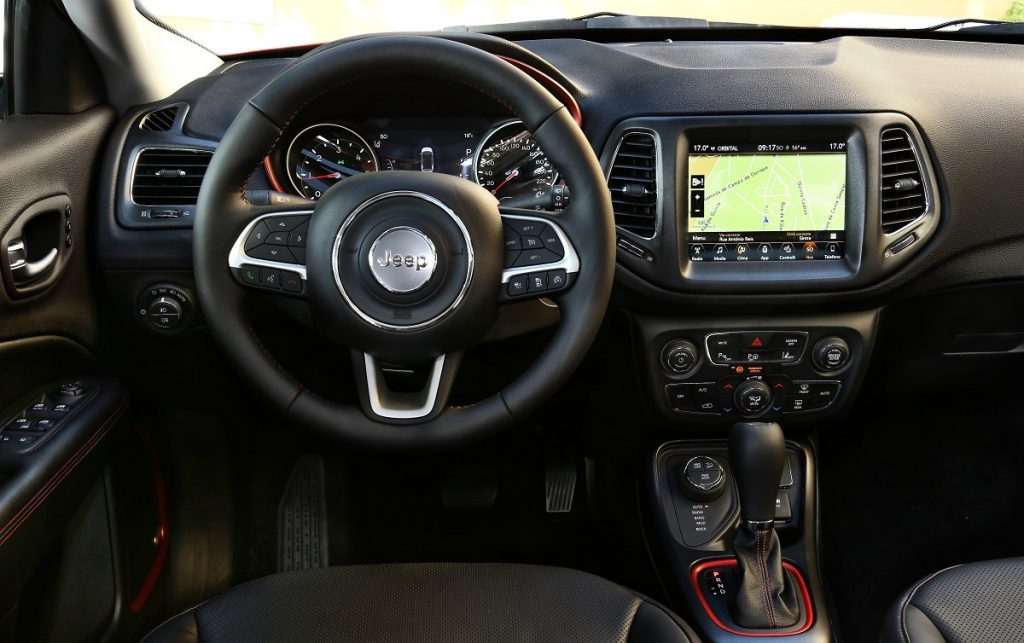 Imagen interior de un Jeep Compass