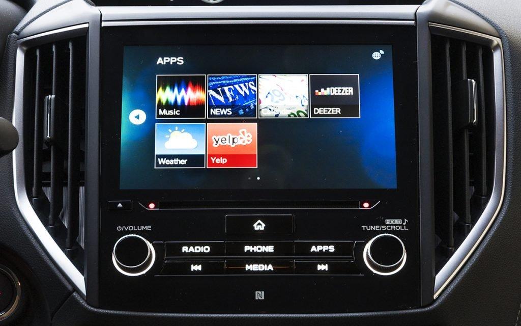 Menú de Subaru StarLink en el sistema multimedia