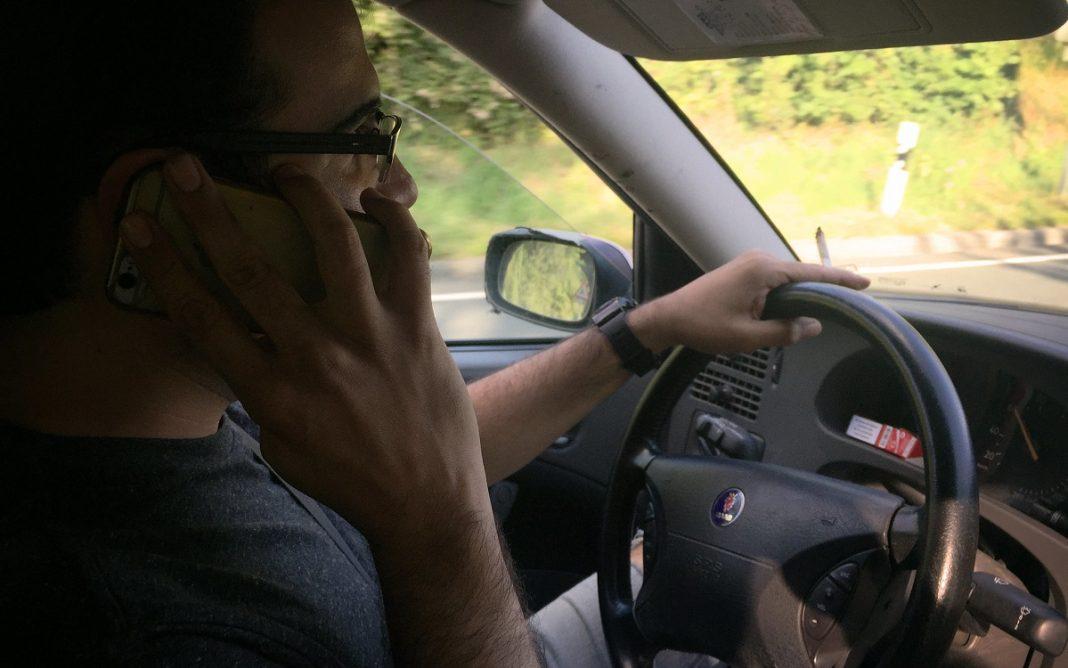móvil conduciendo