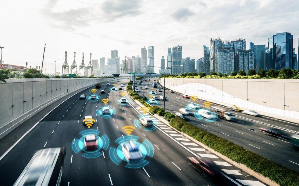 Imagen de coches conectados circulando