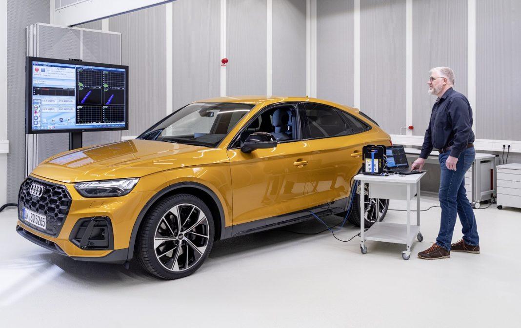 trabajo en el laboratorio del ruido de Audi