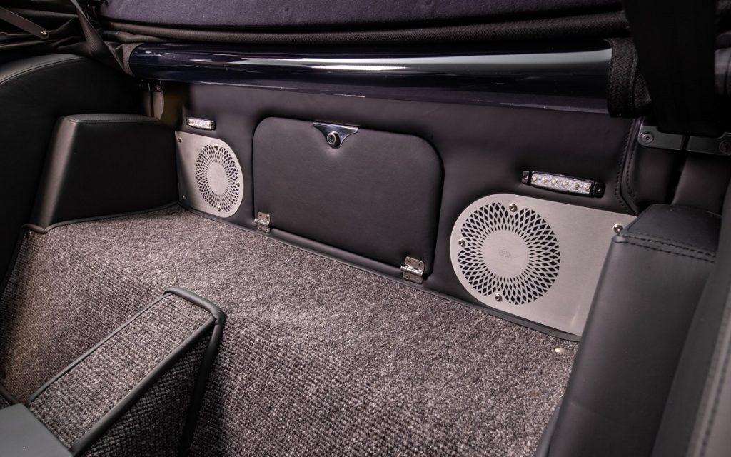 Compartimento posterior del Morgan Plus Six