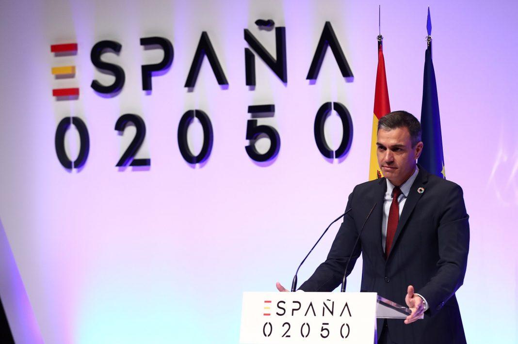 El presidente Pedro Sánchez, en el atril durante la presentación del plan España 2050