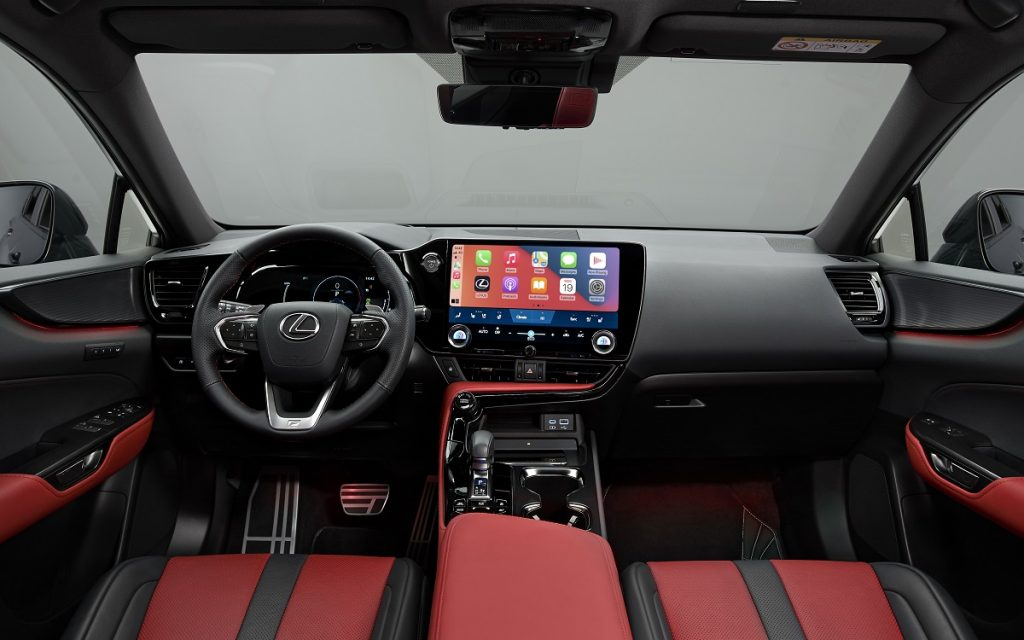 Interior del Lexus NX 450h+