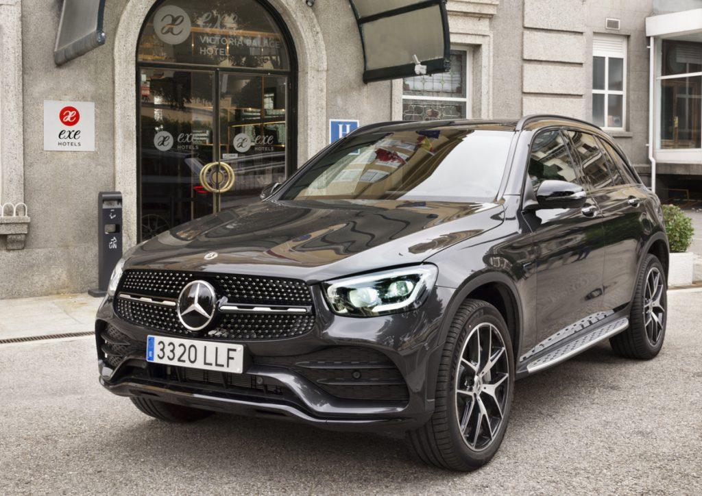 Imagen frontal del Mercedes GLC 300 de