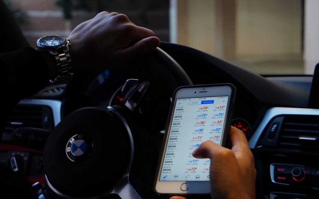 Smartphone y vehículo
