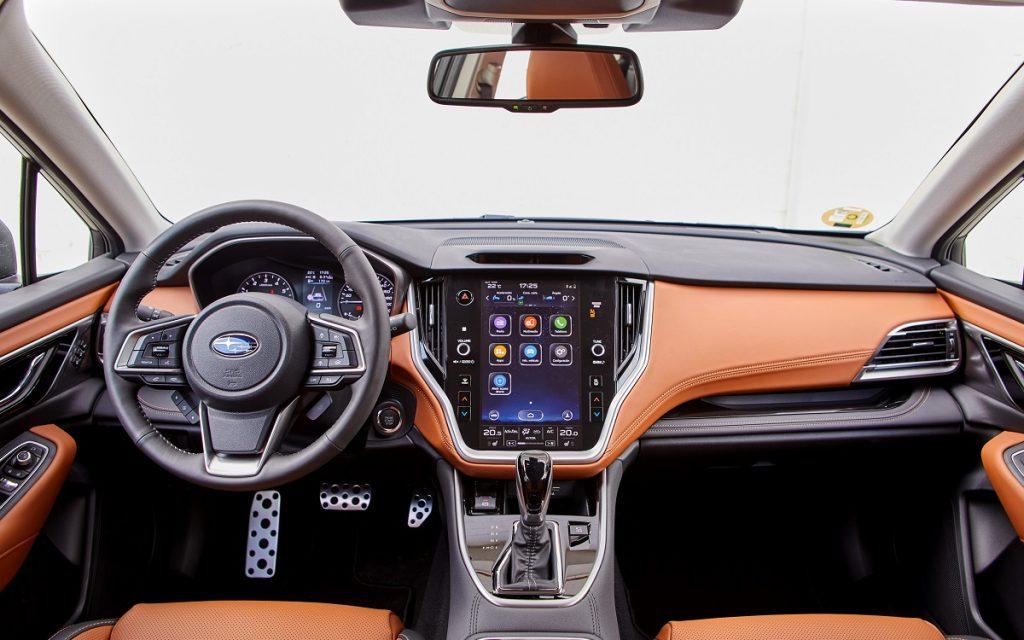 Interior del Subaru Outback 2021