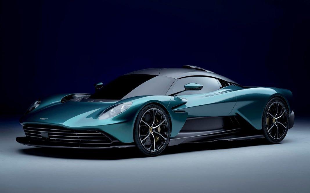 Imagen tres cuartos delantero Aston Martin Valhalla