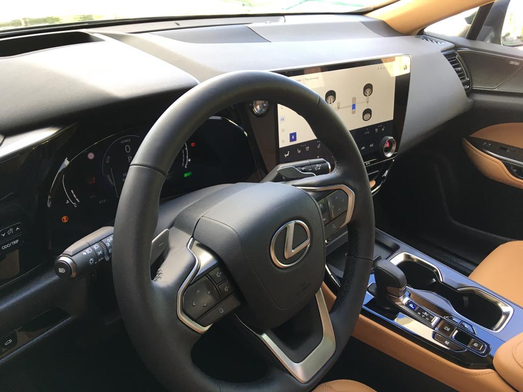 Vistazo interior del Lexus NX 350h