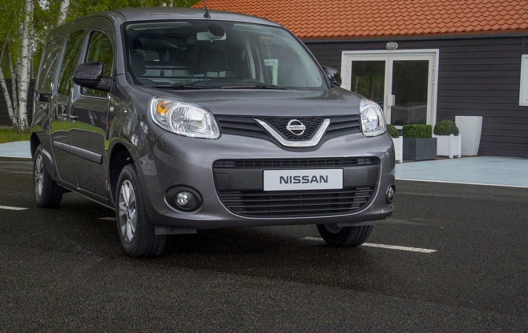 Imagen tres cuartos delantero Nissan