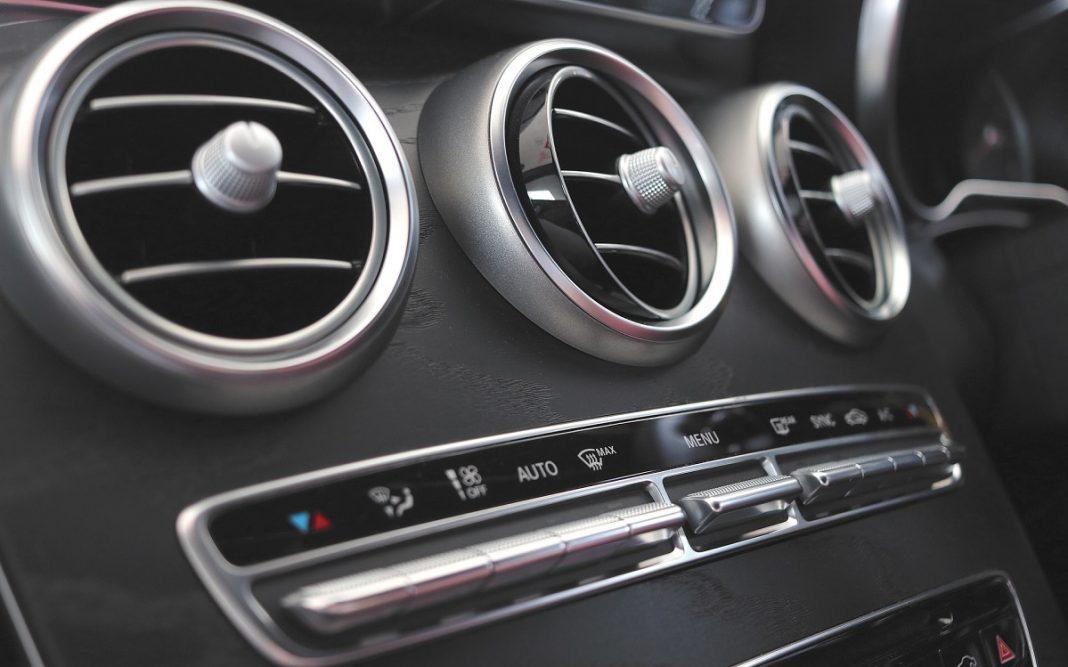 Image salidas de ventilación de un coche