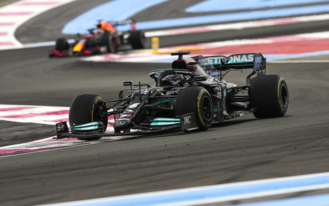 Mercedes W12 tres cuartos frontal Lewis Hamilton