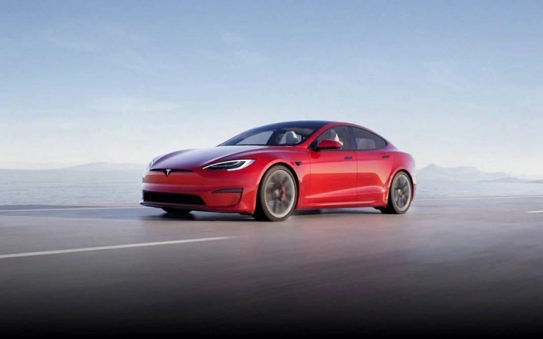 Tesla Model S tres cuartos frontal