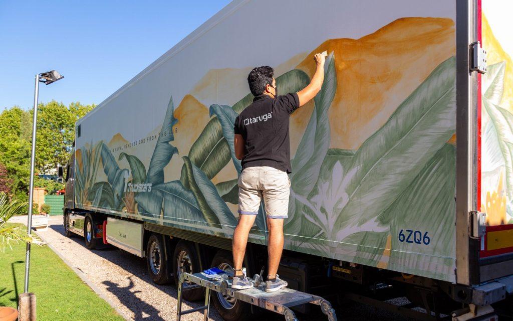 Pintando el Camión EcoTrucksters by Taruga
