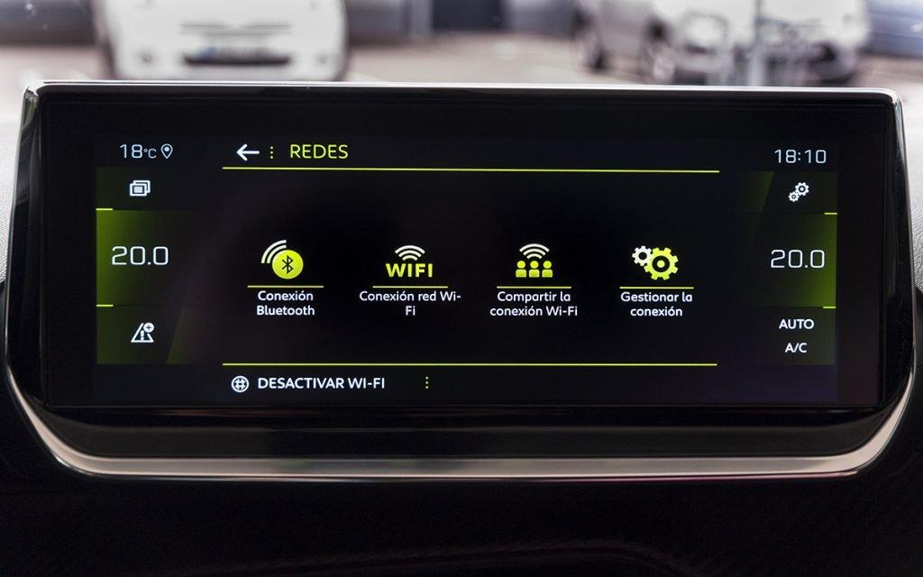 Menú opciones WiFi del Peugeot 2008 GT