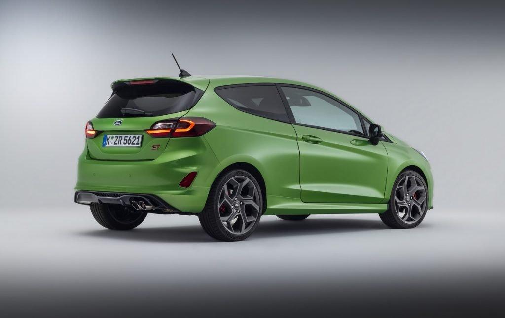 Imagen tres cuartos trasero Ford Fiesta ST 2022