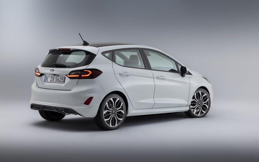 Imagen tres cuartos trasero Ford Fiesta 2022