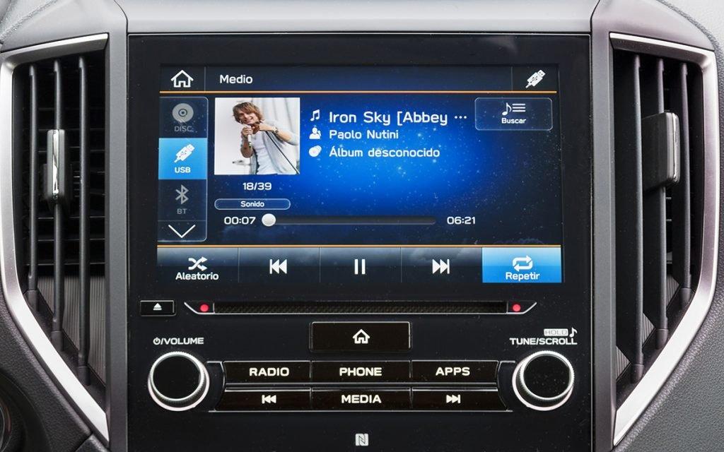 Reproducción de música en el Subaru Impreza Hybrid