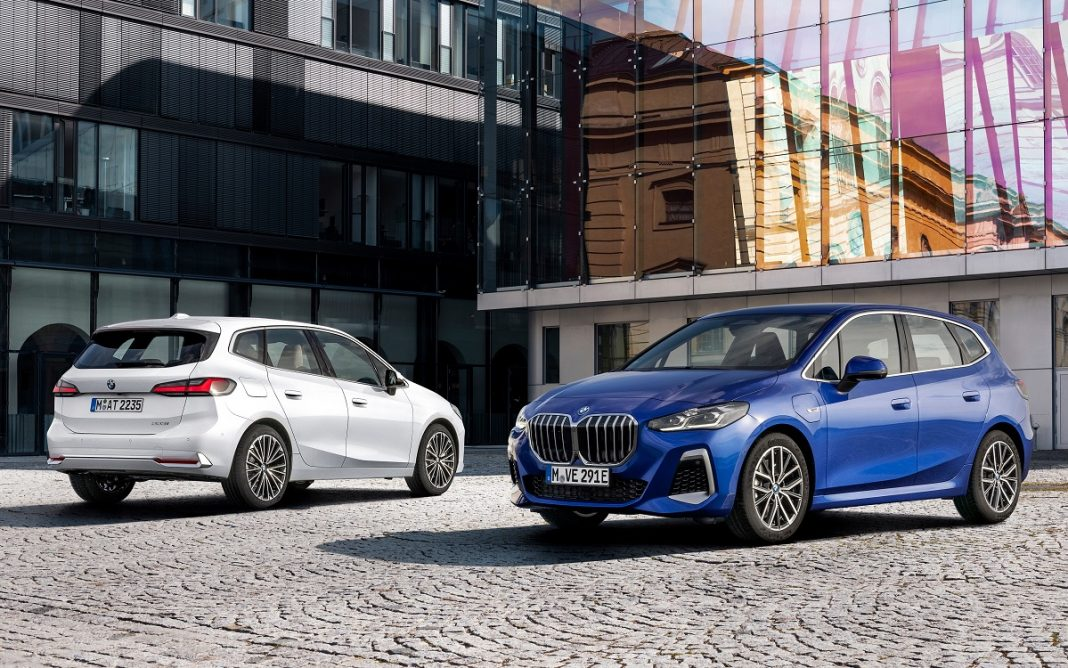 Imagen BMW Serie 2 Active Tourer 2022 tres cuartos delantero